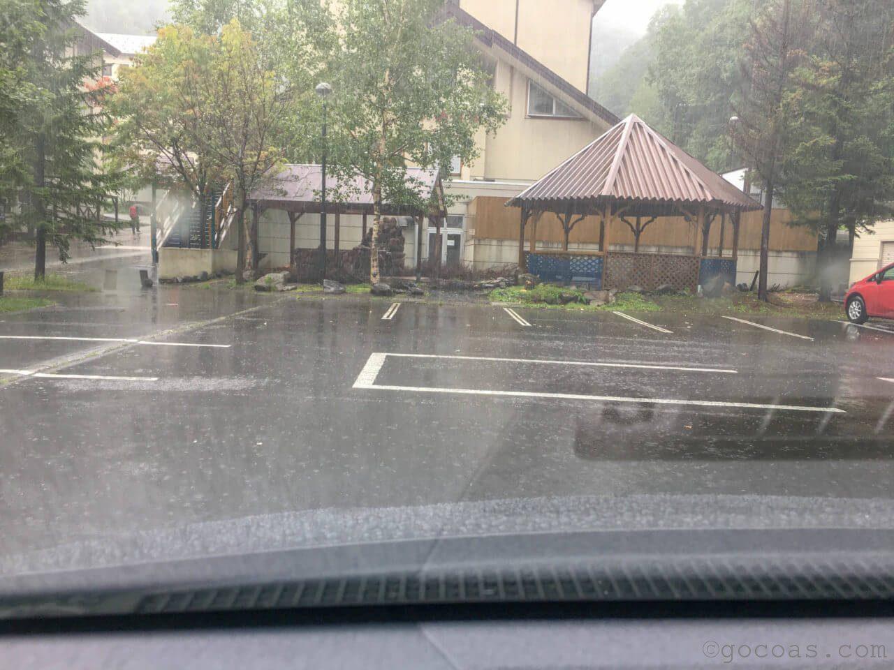 銀泉閣駐車場