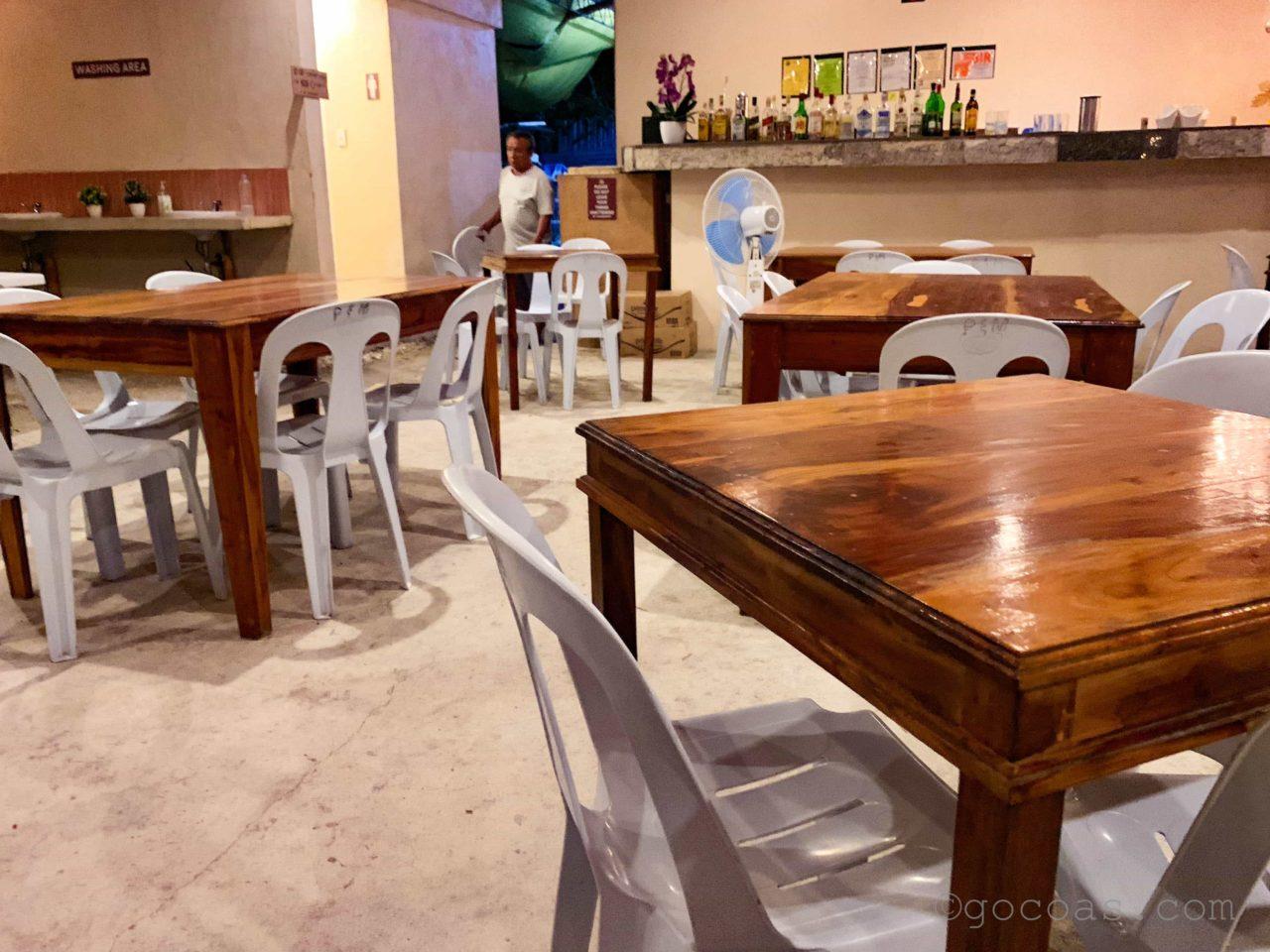 Paul&Madz Restaurantテーブル