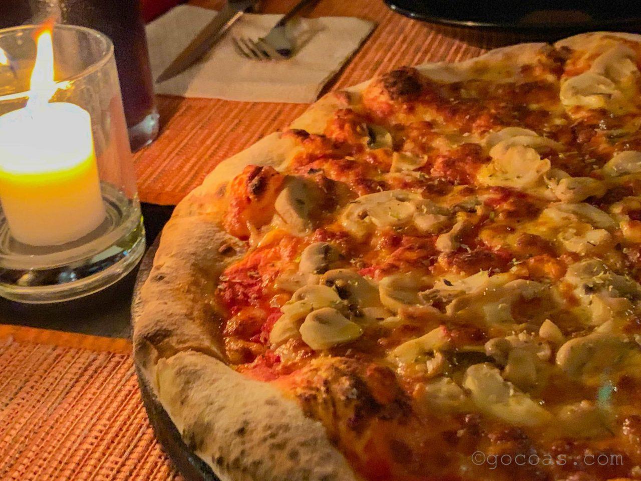 ALTROVEピザ