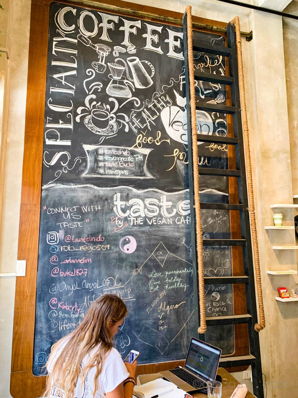 THE VEGAN CAFE店内