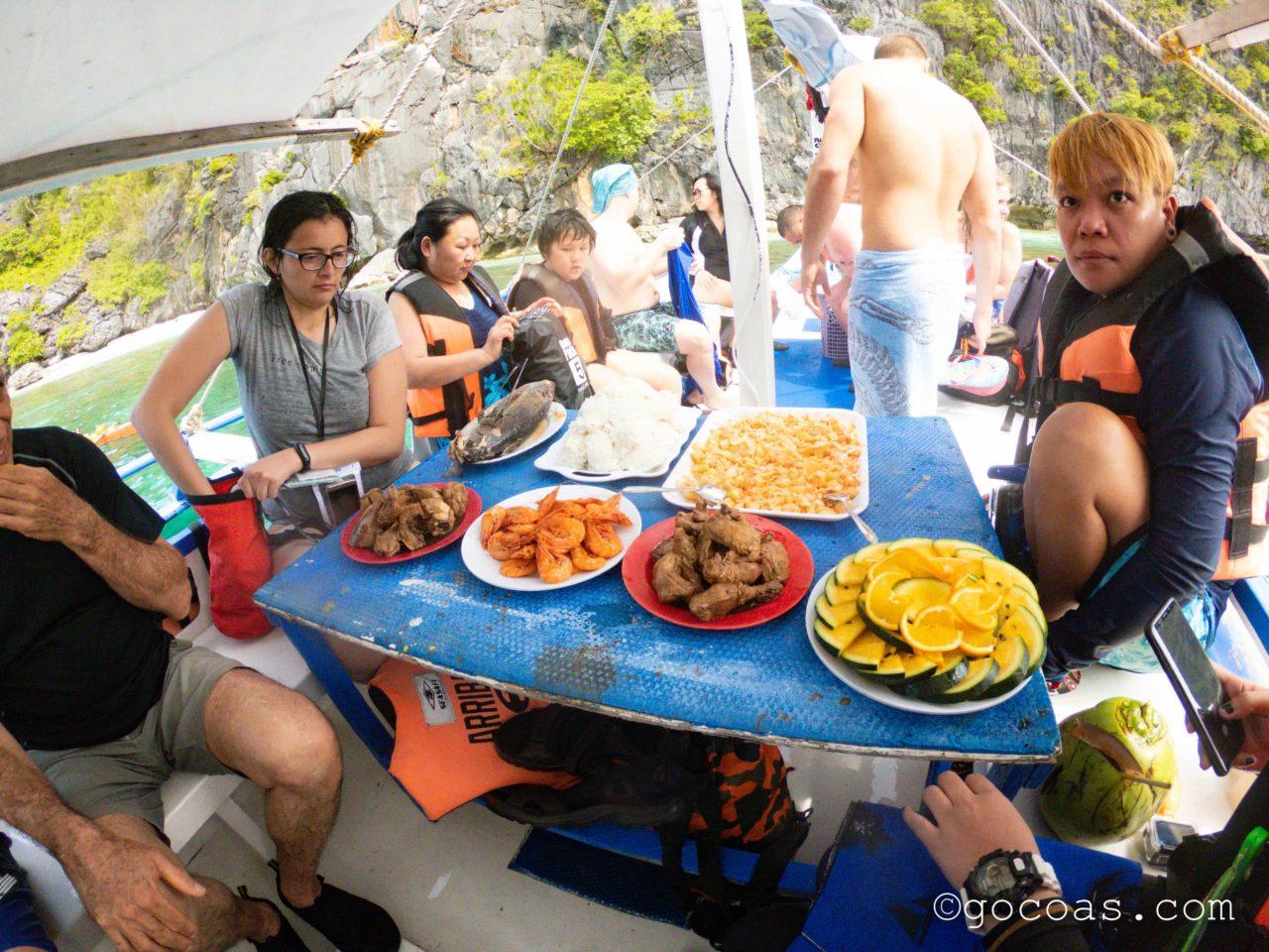エルニドのツアーの食事