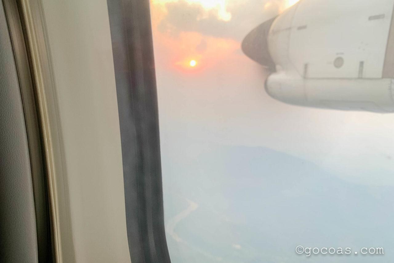 シェムリアップ国際空港ラオス航空の機内からの景色