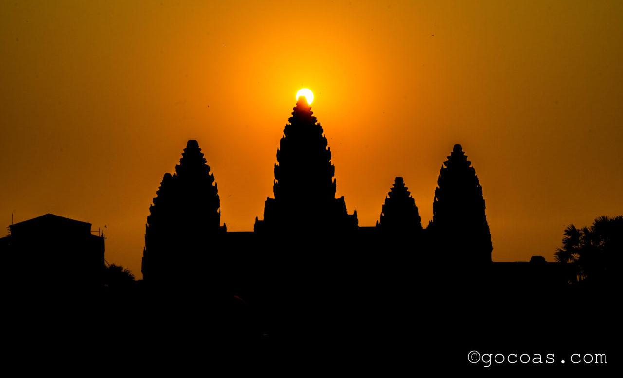 カンボジア遺跡 アンコールワットサンライズ