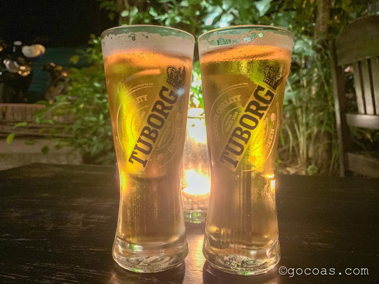 RedBul bar & restaurantで飲んだ2つのTUBORGのビールジョッキ