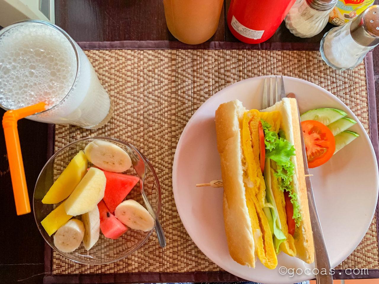 ヴィラ ラタナコンの朝食