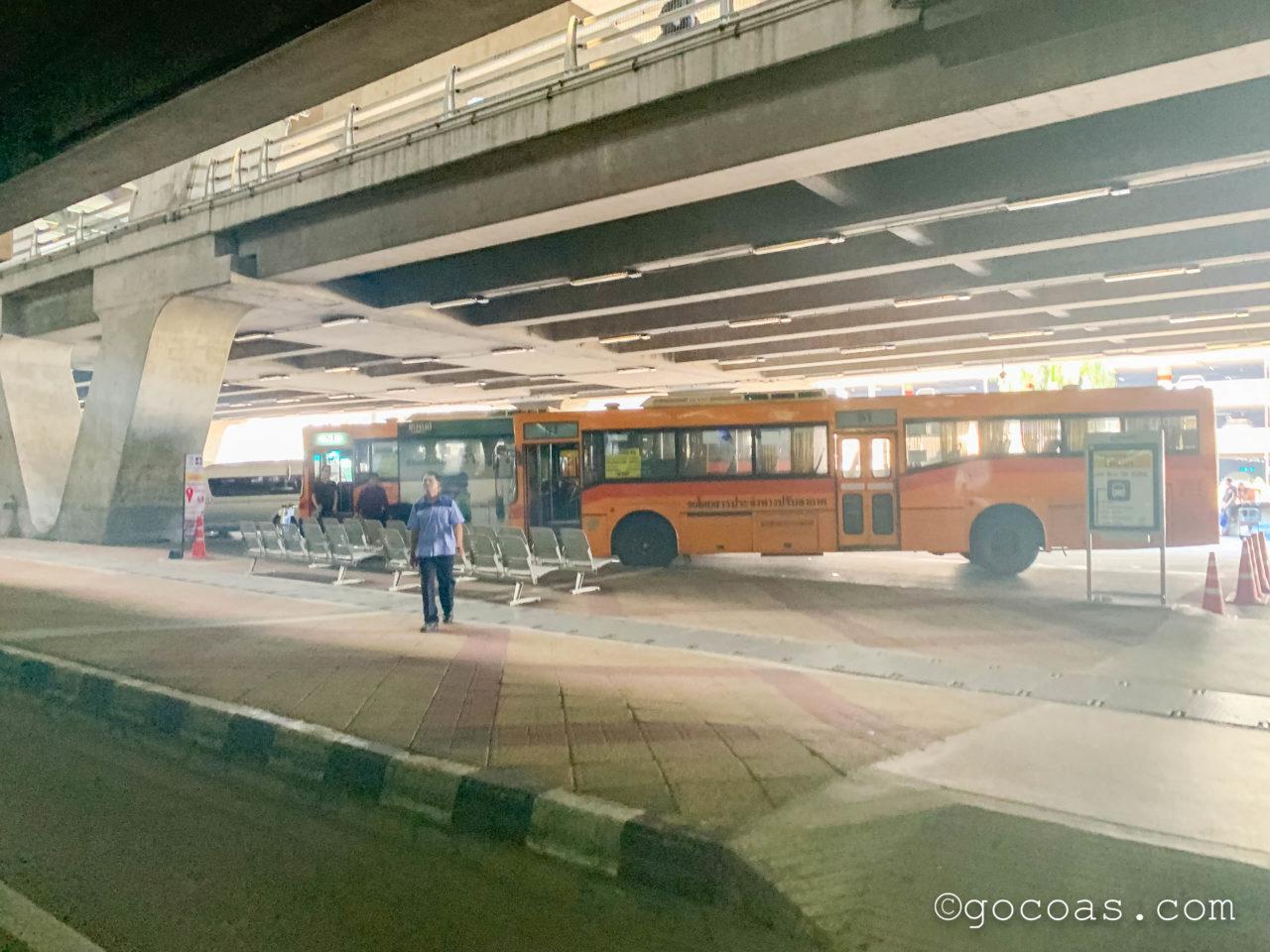 スワンナプーム国際空港のバス乗り場