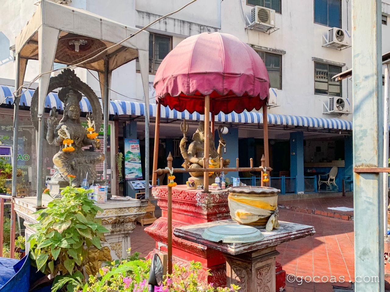 バンコクの街中にあった仏像