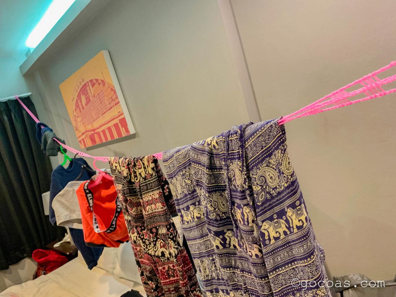 アット フア ランポーンで洗濯紐を使うところ