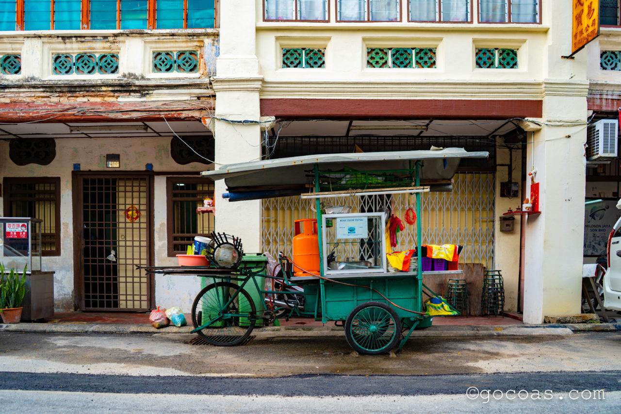 ペナン島の街中にあった屋台の自転車
