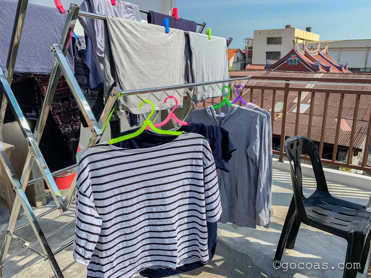 Rainbow Houseの屋上に干した洗濯物