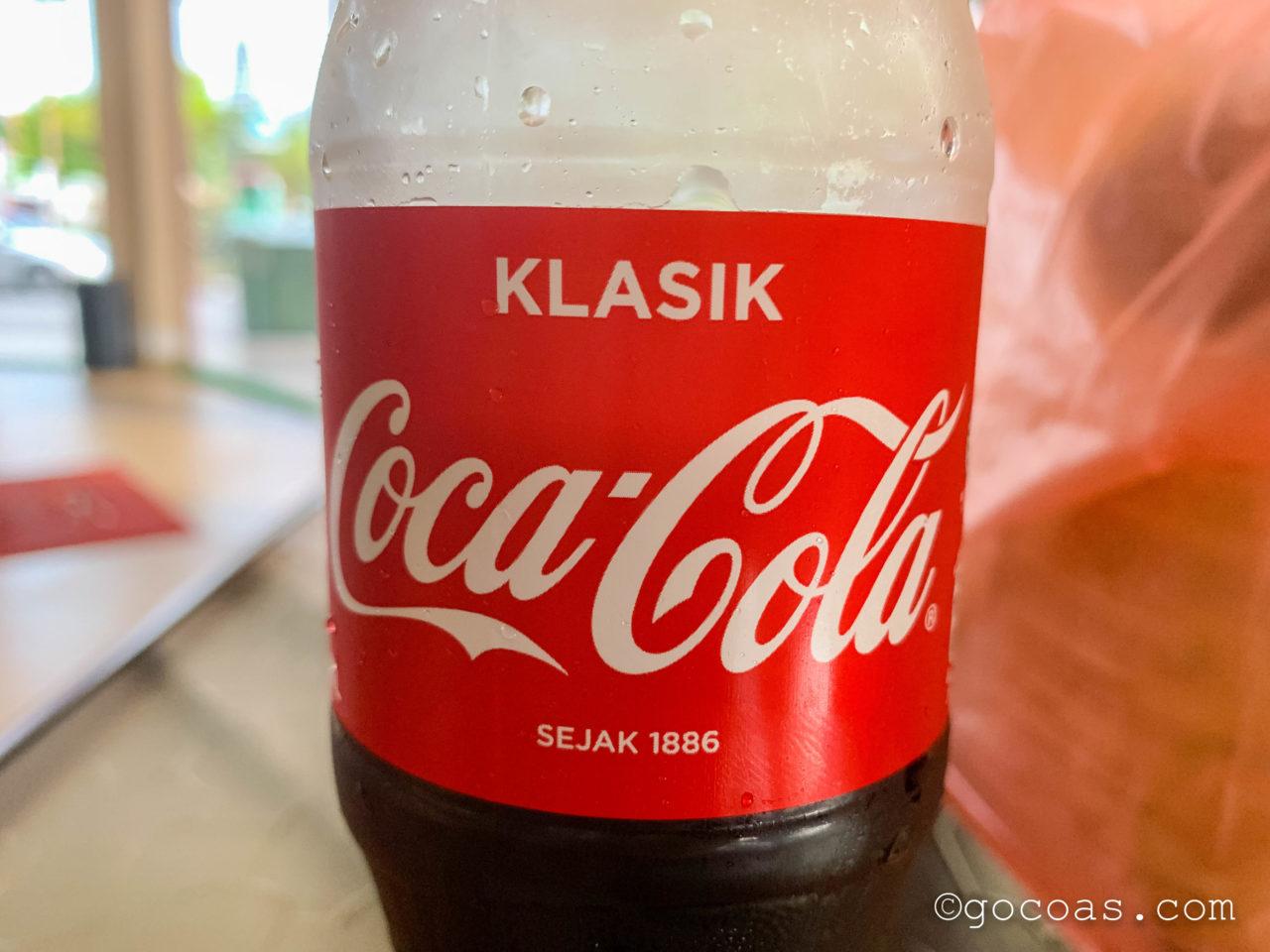 SE Hotel向かいにあったスーパーで買ったマレーシアのコーラ