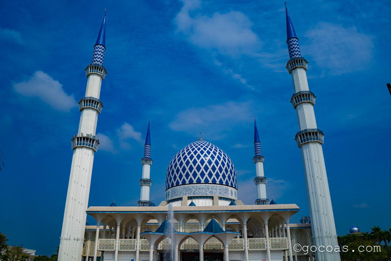 スルタン・サラディン・アブドゥル・アジズ・モスク外観