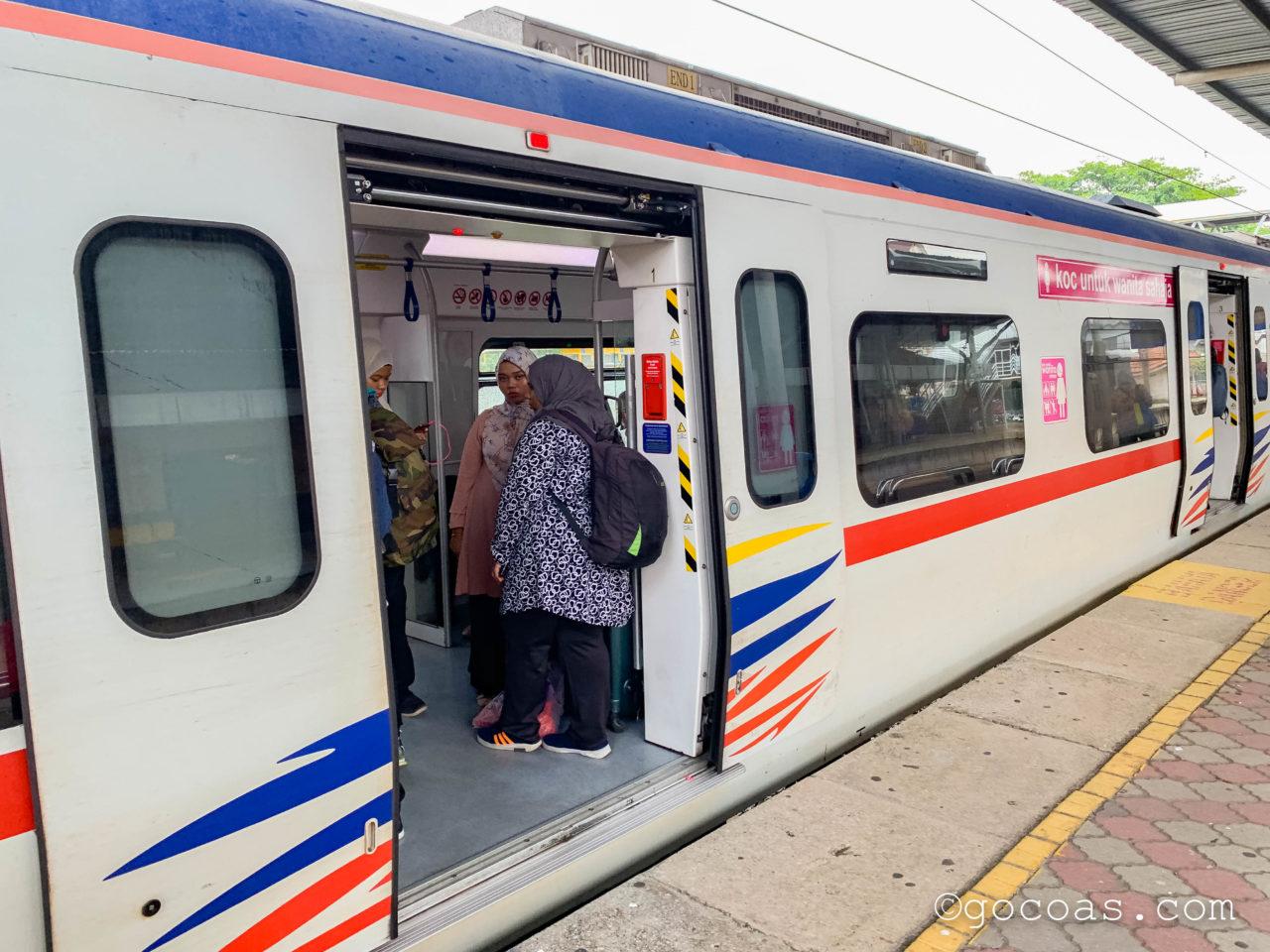 クアラルンプールで見た電車の女性専用車両