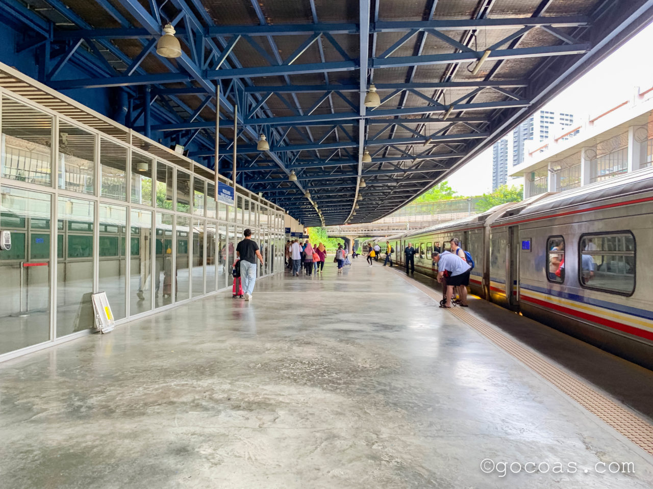 マレー鉄道のウッドランズ駅のホーム