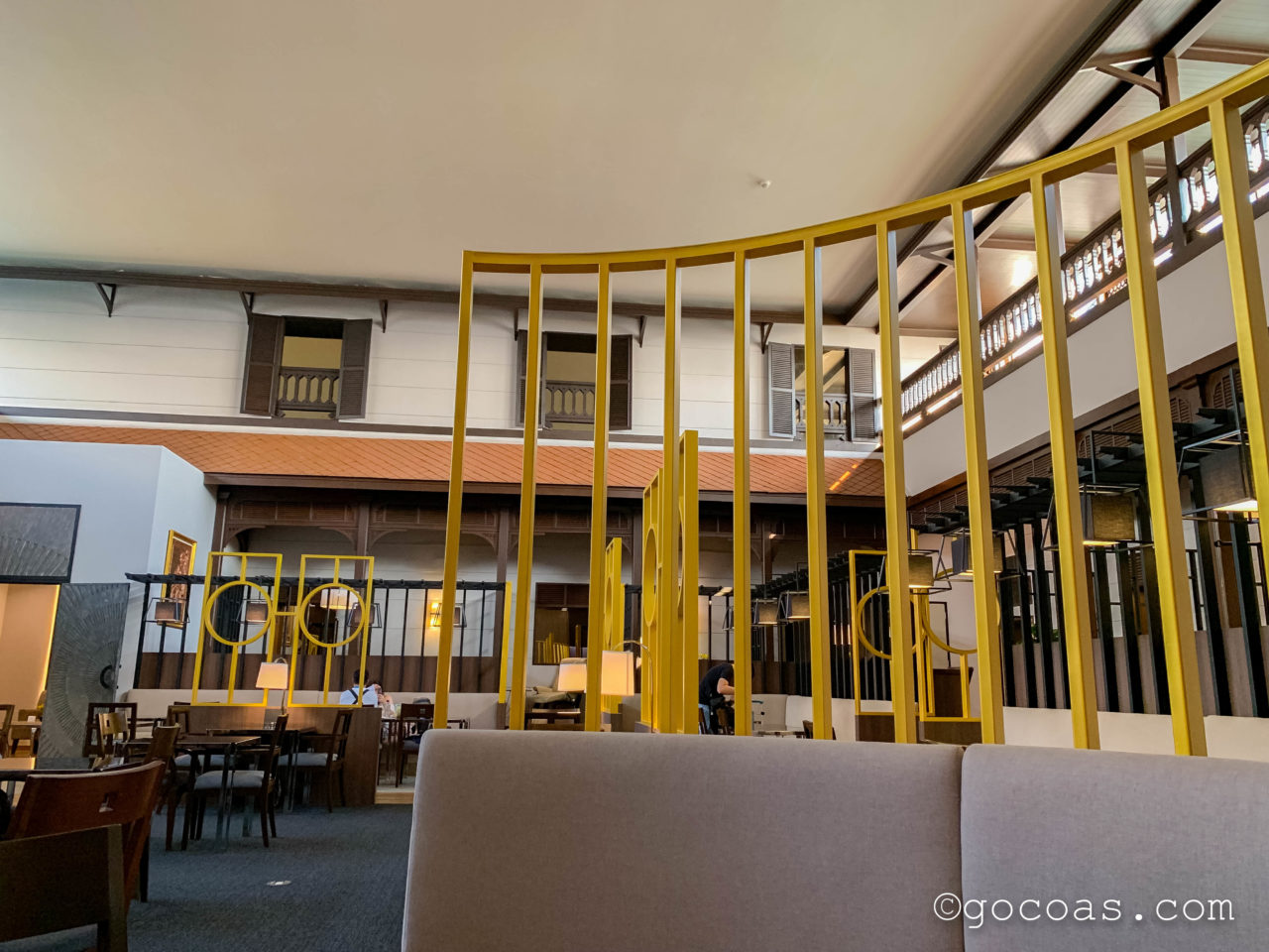 ドンムアン空港のMIRACLE LOUNGEのテーブル席